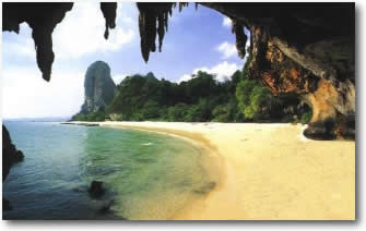 Thailand caves on sailing charter